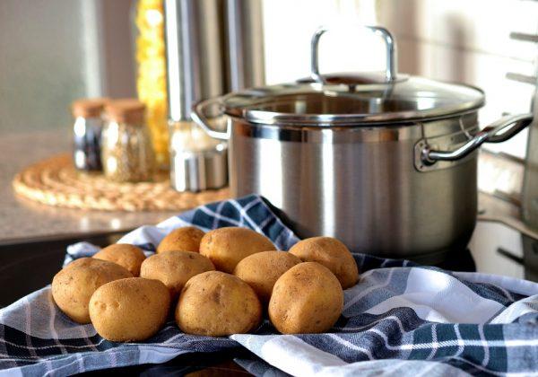 brambory připravené k vaření