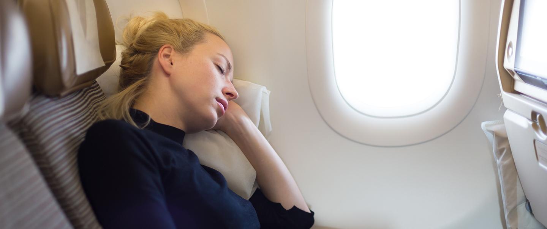 """""""Jet lag"""": Rady lékařky + 11 tipů, jak zvládnout pásmovou nemoc"""